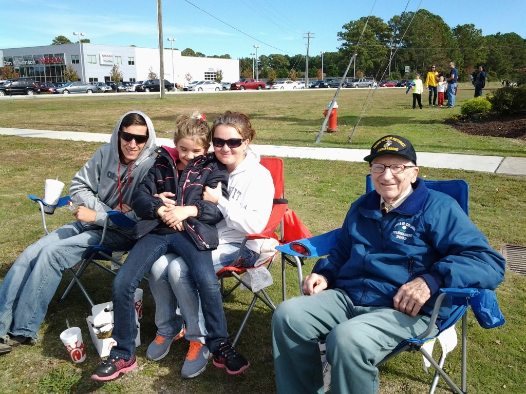 S/M BAUM MAKING NEW FRIENDS AT THE VETERANS DAY PARADE ON 8 NOVEMBER 2014
